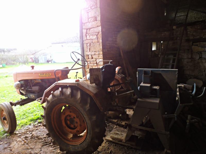 Photographiez des tracteurs ! - Page 2 P2260112