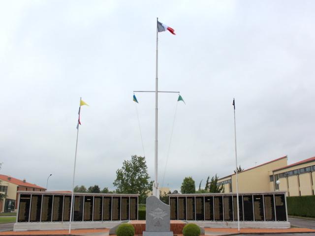 Diên Biên Phù fin du sacrifice le 7 mai 1954: hommage aux morts tombés depuis le 20 novembre 1953 Img_7211