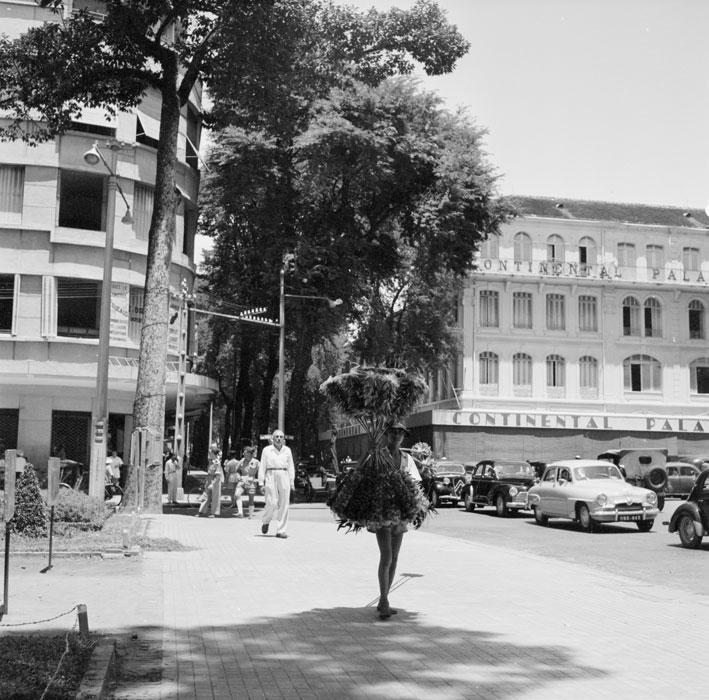 [Opérations de guerre] INDOCHINE - TOME 6 - Page 7 Saigon11