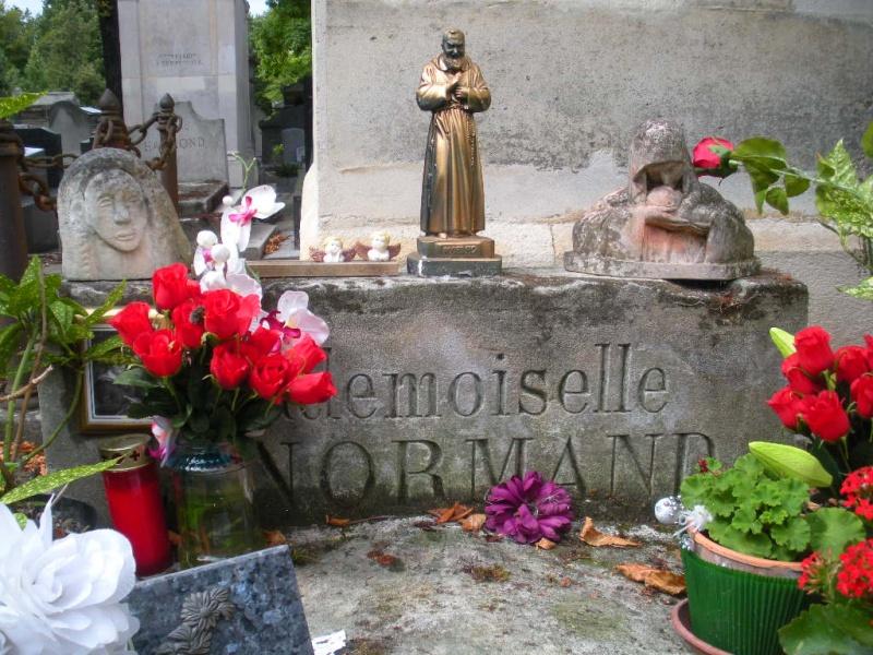 La tombe de Melle Lenormand Jelt_d19