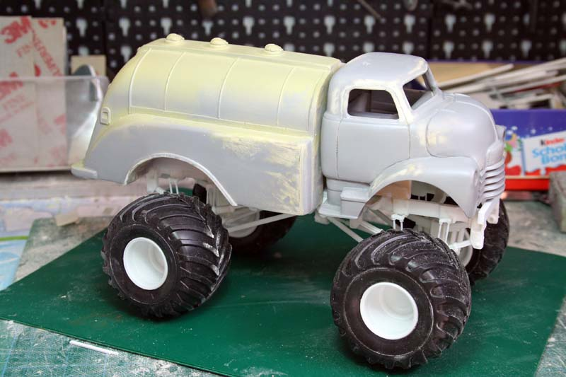"""CHEVY 1948 COE tanker Monster Truck  """"RUSTY"""" !!!! Terminé Img_7933"""