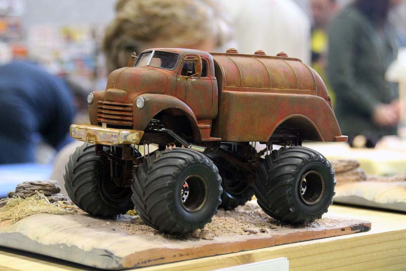 "CHEVY 1948 COE tanker Monster Truck  ""RUSTY"" !!!! Terminé - Page 2 Img_8039"