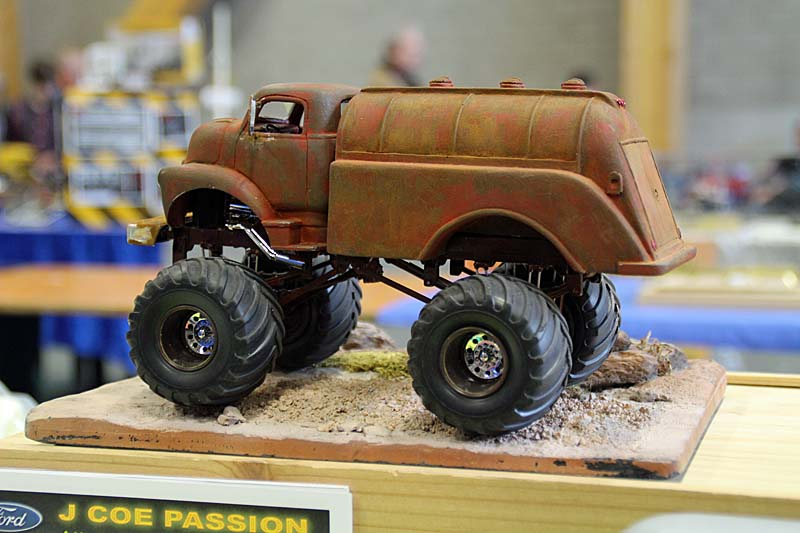 "CHEVY 1948 COE tanker Monster Truck  ""RUSTY"" !!!! Terminé - Page 2 Img_8041"