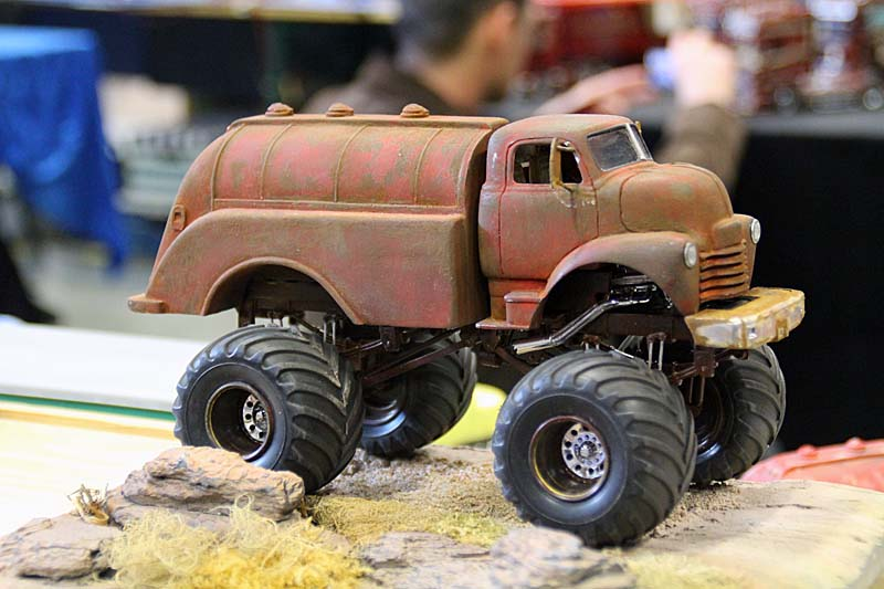 "CHEVY 1948 COE tanker Monster Truck  ""RUSTY"" !!!! Terminé - Page 2 Img_8043"