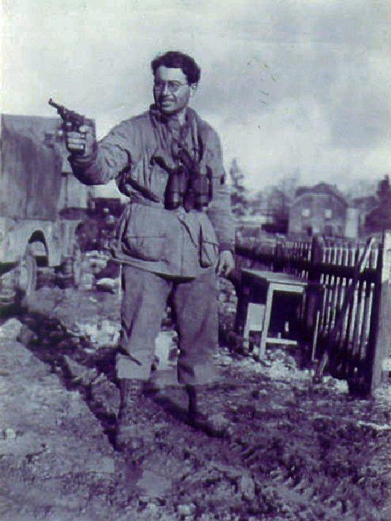 War correspondents airborne Reuben10