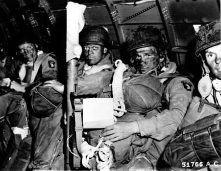 la Légion d'Honneur pour quatre paras de la 101st Airborne Robert10