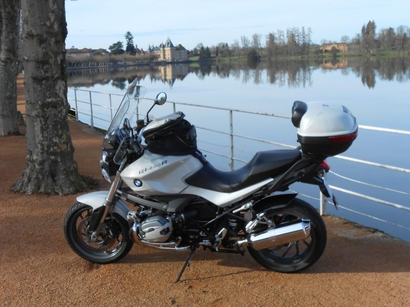 Photos de vous et de votre moto devant ....un château  - Page 4 Dscn1212