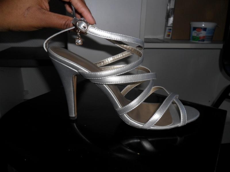 Mode, Galopines & Co : ici les stilettos, sneakers, bodycon, peplum... n'auront plus de secret pour vous ! Sam_2810