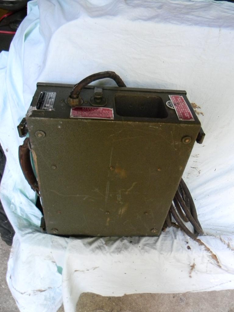 Radio BC 659 avec alimentation Dscn7613