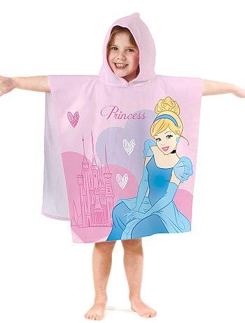 Les produits Disney dans les boutiques de vêtements (Kiabi, c&a, h&m, Undiz...) Cape-d10