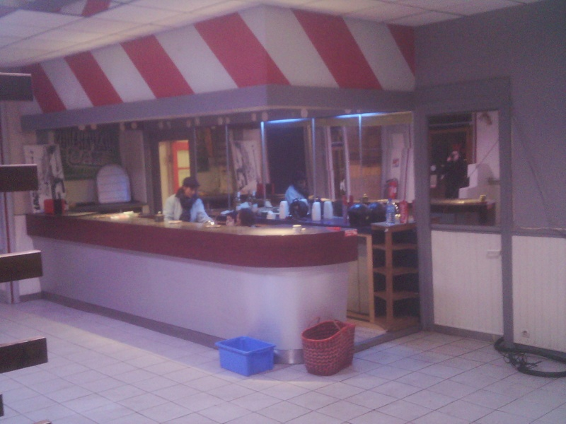 Besoin de vos idées pour rafraîchir la déco d'un bar brasserie 211