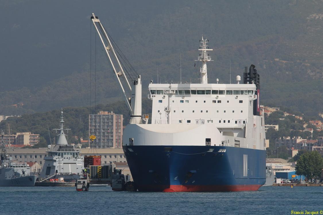 Le navire MN TANGARA 0126