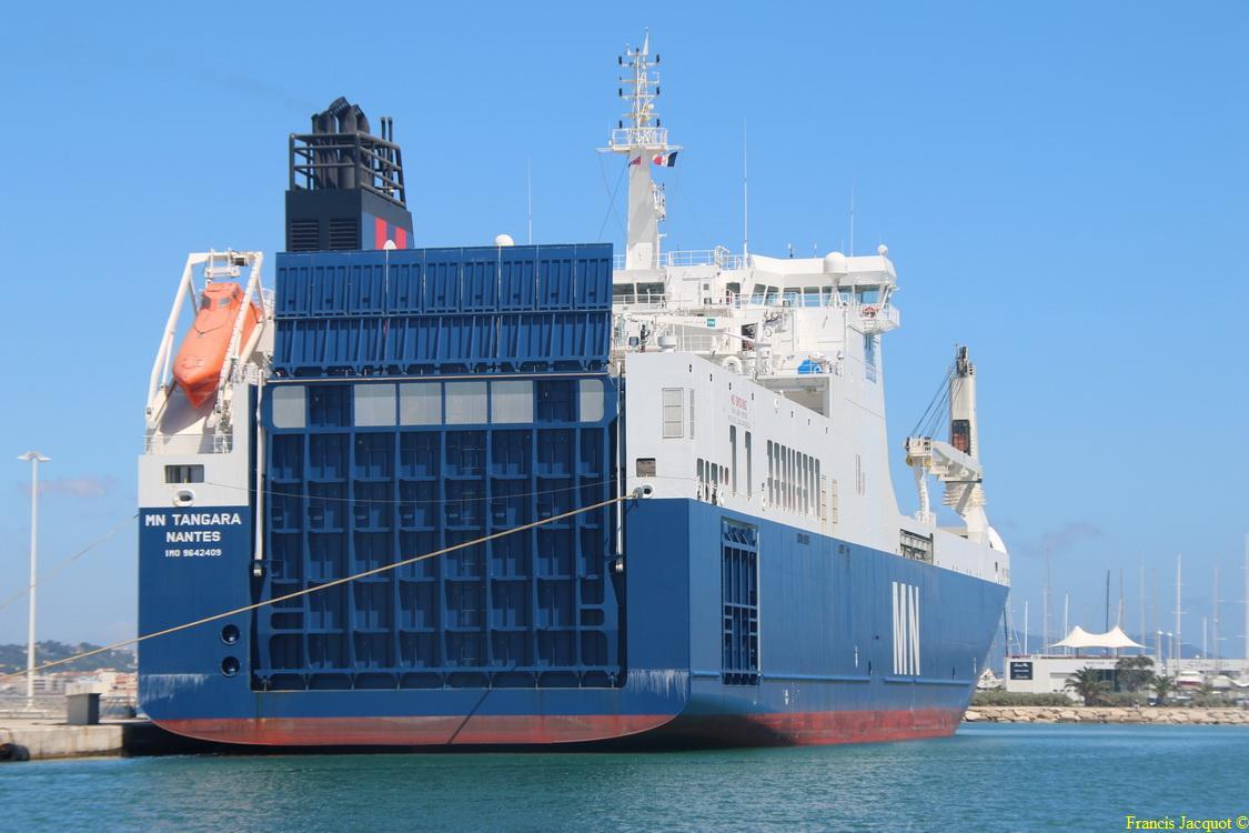 Le navire MN TANGARA 0822