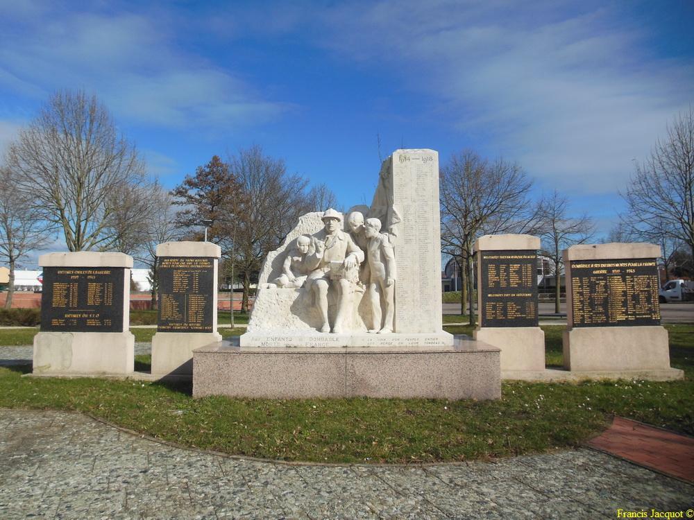 [Histoires et Histoire] Monuments aux morts originaux Français Tome 1 - Page 12 Dscn1211
