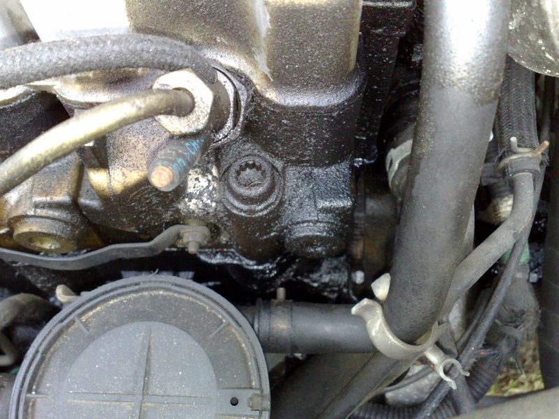 fuite d'huile à une tete d'injection GV S2 1993 Fuite_12