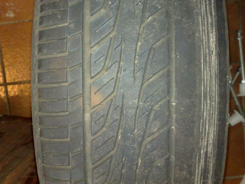 usure anormale pneu ar coté conducteur Pneu_u10
