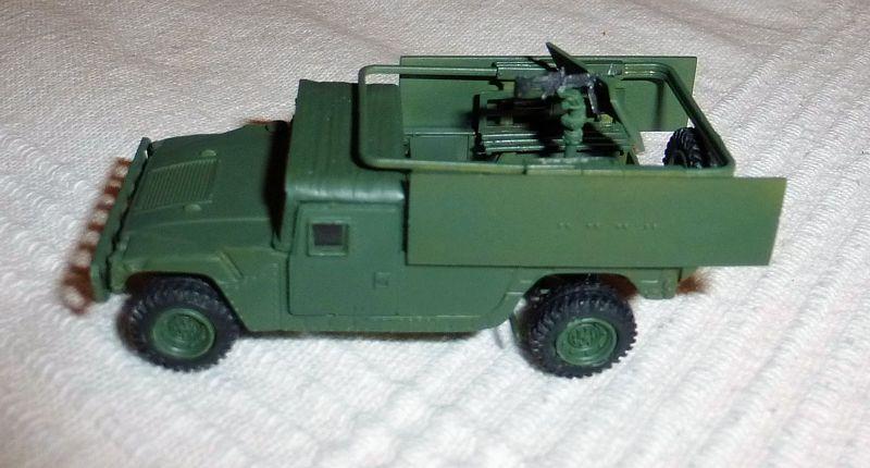 HMMWV (Hummer) 1/72 Revell et Dragon Tn_hum10
