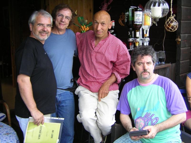 Une photo d'anciens avec le fils de Jean-Michel  28585410