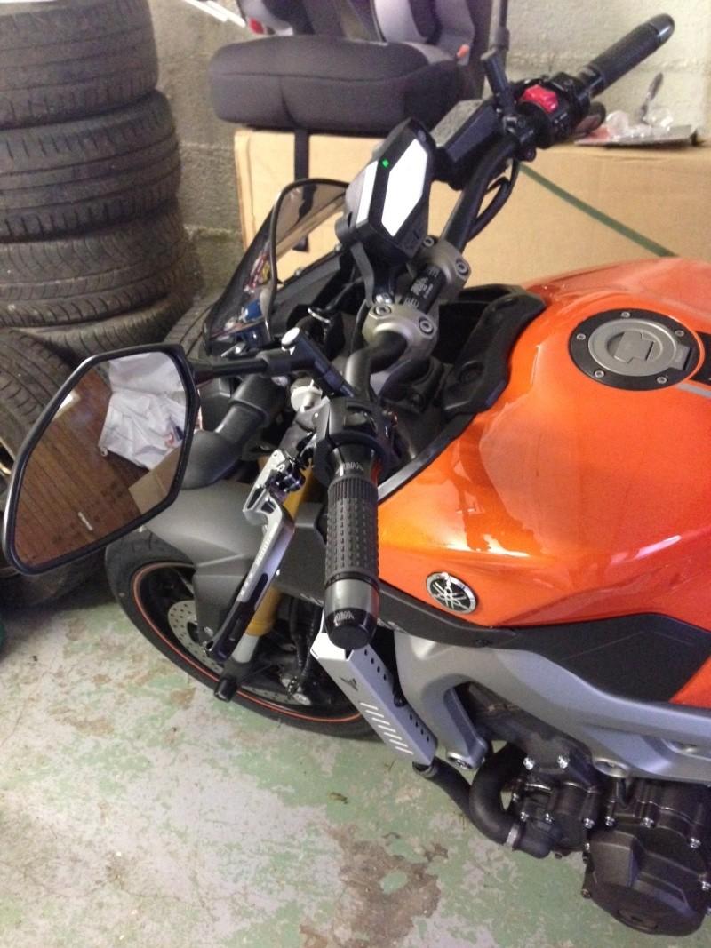 Première [Yamaha MT-09] sur le forum : celle de l'admin ;-) Une Orange ! - Page 4 Photo_31