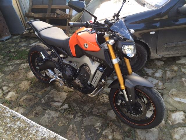 Première [Yamaha MT-09] sur le forum : celle de l'admin ;-) Une Orange ! - Page 4 Photo_40
