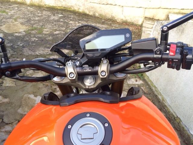 Première [Yamaha MT-09] sur le forum : celle de l'admin ;-) Une Orange ! - Page 4 Photo_43