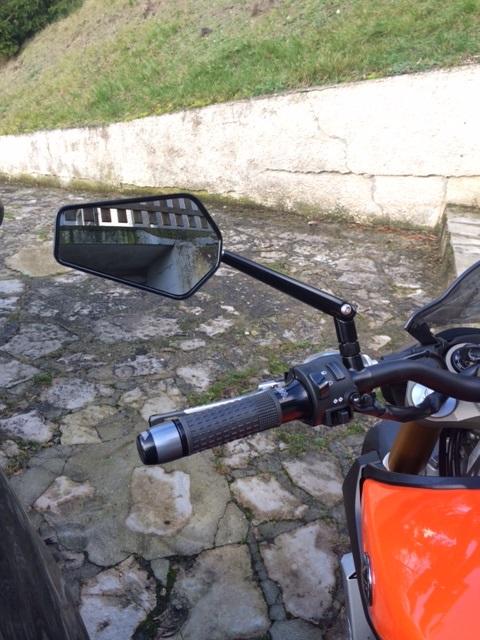 Première [Yamaha MT-09] sur le forum : celle de l'admin ;-) Une Orange ! - Page 4 Photo_44
