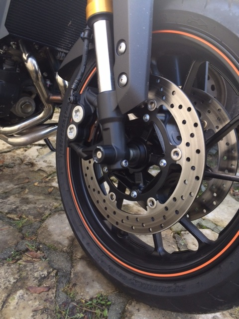 Première [Yamaha MT-09] sur le forum : celle de l'admin ;-) Une Orange ! - Page 4 Photo_50