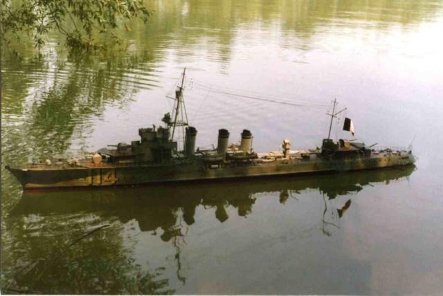 """le torpilleur d'escadre  le """"Fougueux"""". 1/66 Fougue10"""