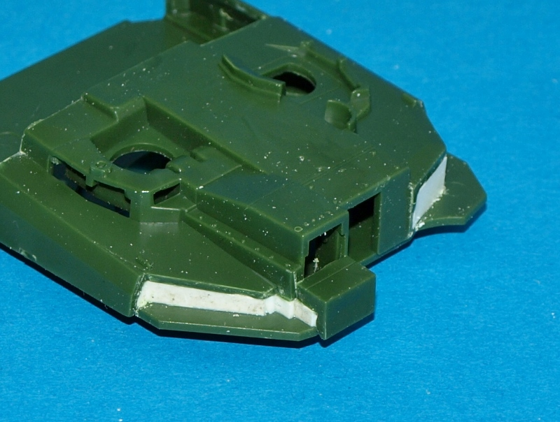 Leclerc [Revell] 1/72, un peu bricolé. Montage sans suites P1011855