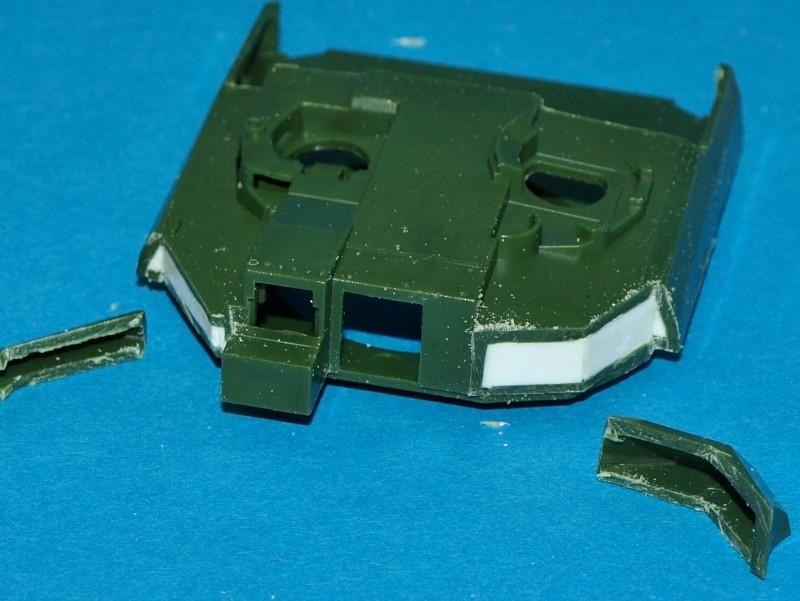 Leclerc [Revell] 1/72, un peu bricolé. Montage sans suites P1011856