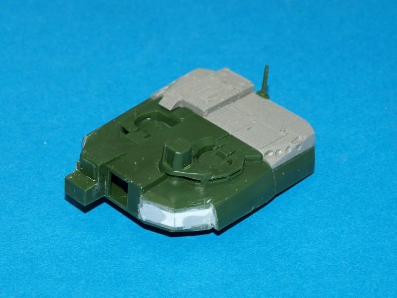 Leclerc [Revell] 1/72, un peu bricolé. Montage sans suites P1011859