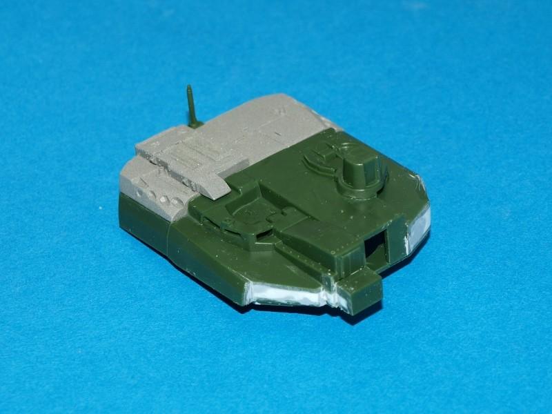 Leclerc [Revell] 1/72, un peu bricolé. Montage sans suites P1011860