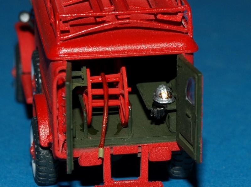 Dodge WC54 pompiers [academy] 1/72 P1012016