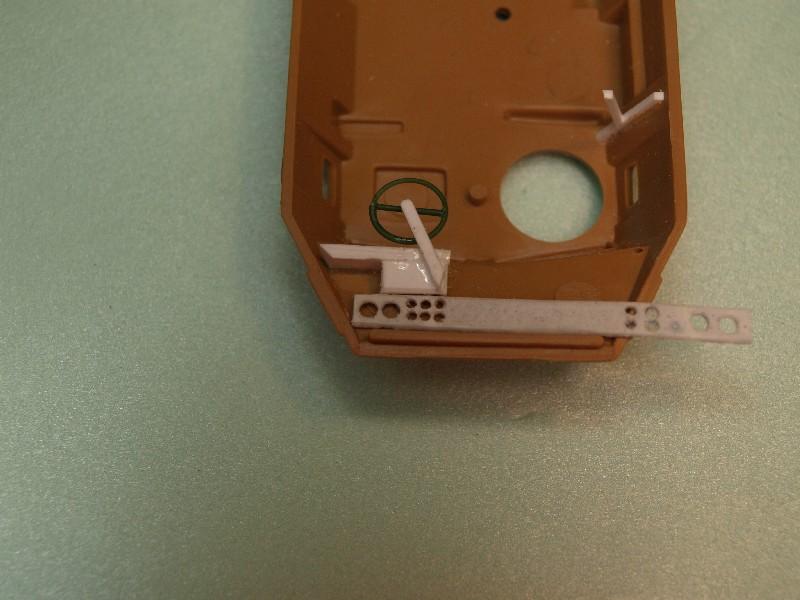 VAB 4x4  [HELLER 1/72]  ---  Montage terminé P1012710