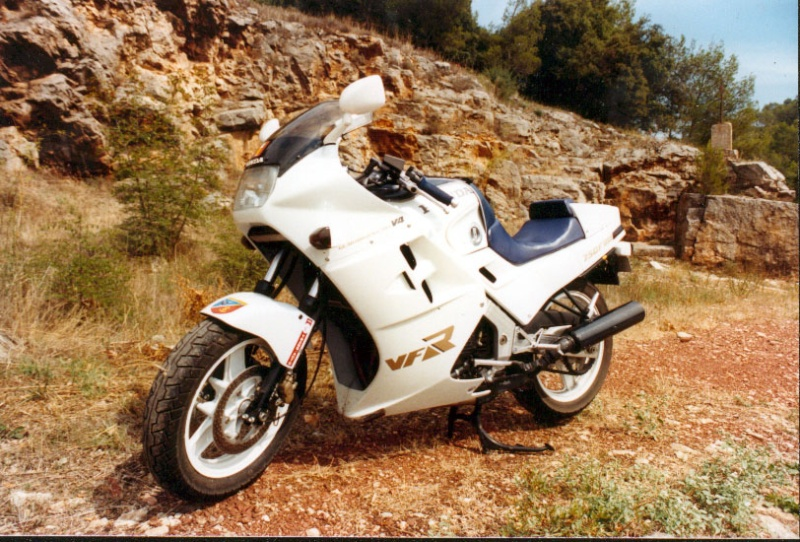 Votre moto avant la MT-09 Vfr10