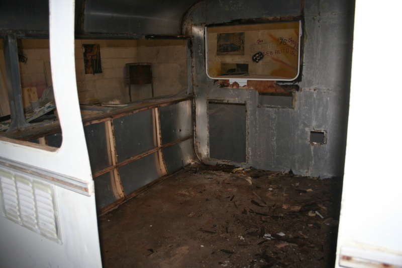 RESTAURATION DUNE CARAVANE TYPE MOBIL HOME THEILLAY 650 LOFT VINTAGE - Page 4 A_trie15