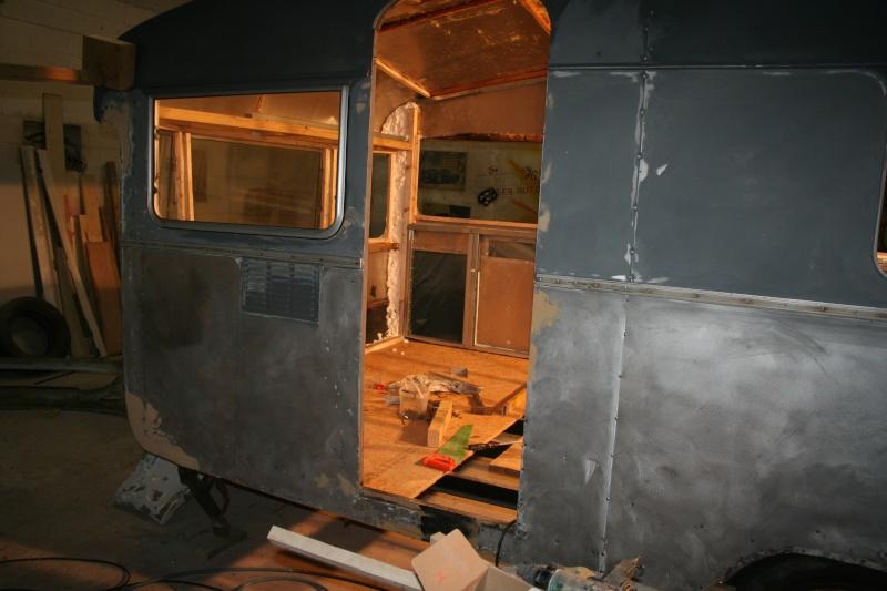 RESTAURATION DUNE CARAVANE TYPE MOBIL HOME THEILLAY 650 LOFT VINTAGE - Page 4 Bdjslm25
