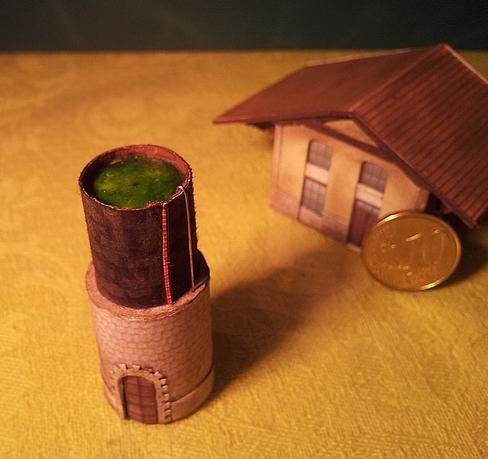 Château d'eau et hangar, ça fait 3 bâtiments.  Chatea11