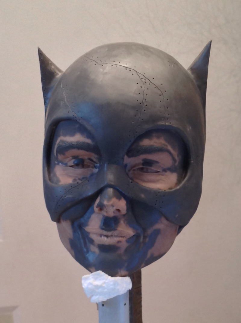 CATWOMAN Michelle Pfeiffer Bust life size - Page 2 Img_1910