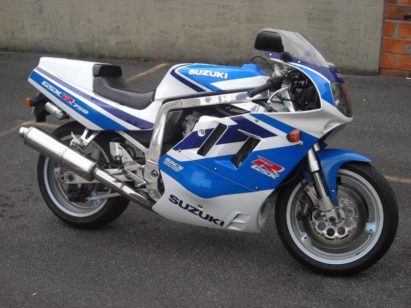 750 GSXR de 91 en bleu et blanc d origine Forum_10