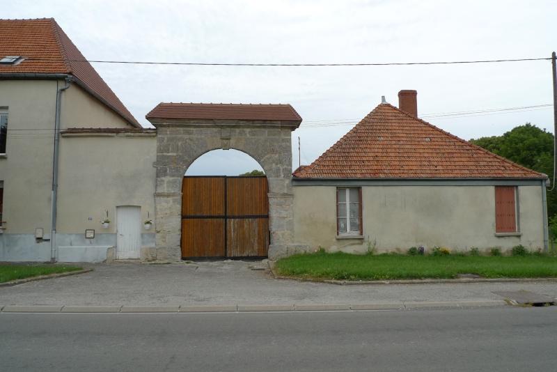 La fuite à Montmédy et l'arrestation à Varennes - Page 2 P1080722