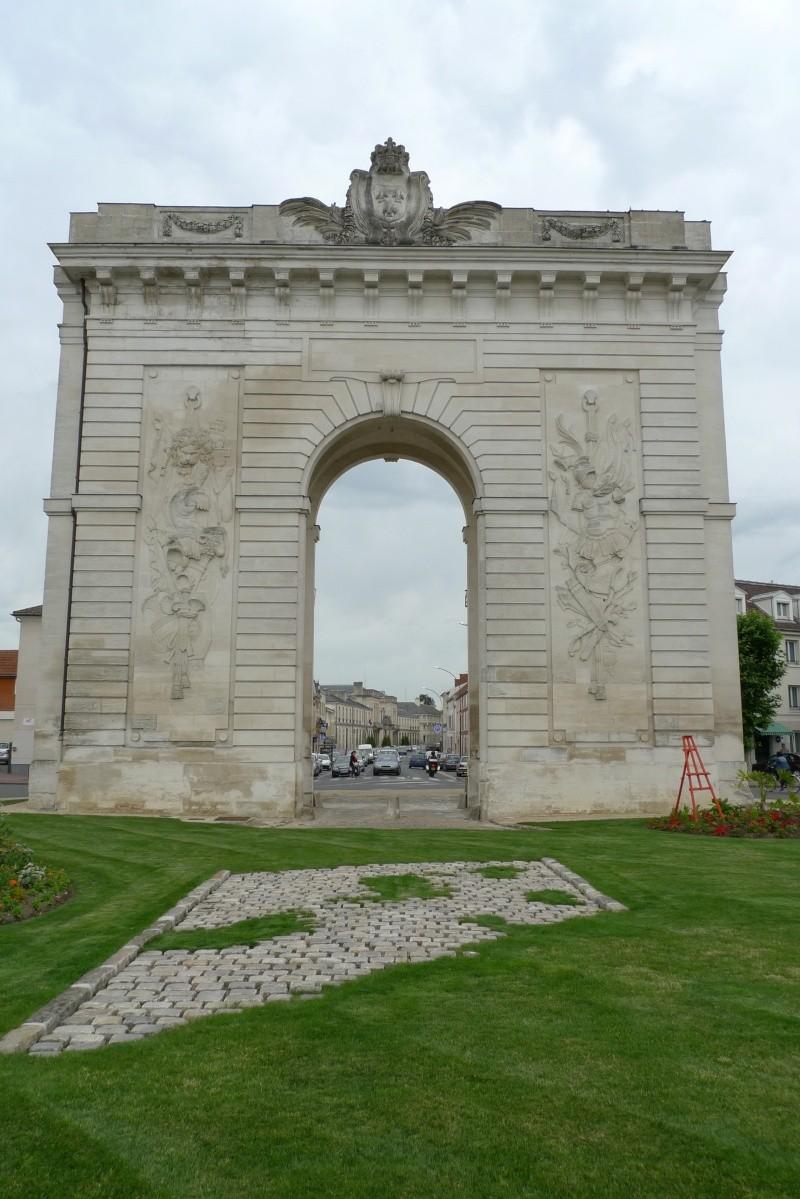 La fuite à Montmédy et l'arrestation à Varennes - Page 2 P1080810