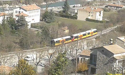 Accident du train des pignes,vidéo et photos. 10001210