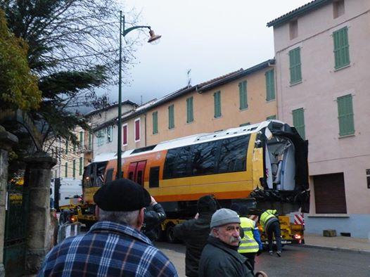 Accident du train des pignes,vidéo et photos. 19725110