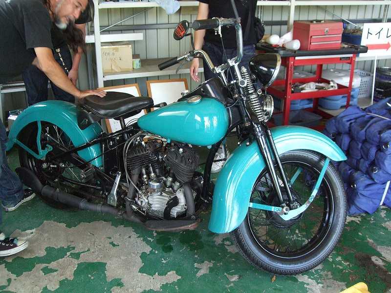 Les vieilles Harley....(ante 84) par Forum Passion-Harley - Page 2 Dscf3010
