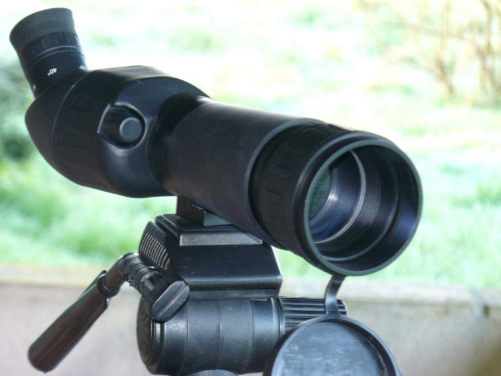 Télescope pour surveiller ses ruches P1020115