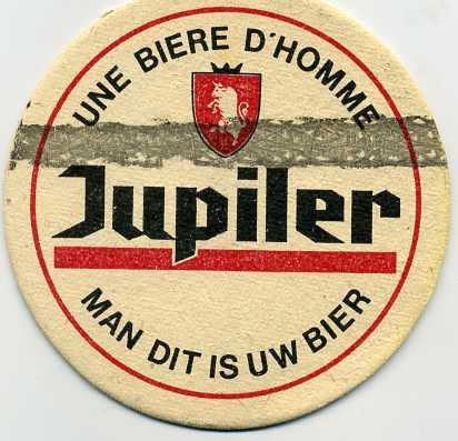 SOUVENIRS,cartes postales, badges, etc...hum hum Souven16