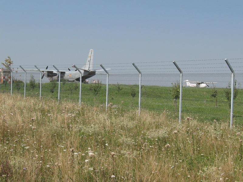 Aeroportul Suceava (Stefan cel Mare) - 2008 - Pagina 3 Img_7813