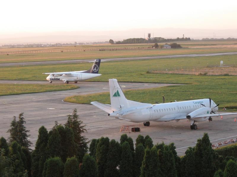Aeroportul Suceava (Stefan cel Mare) - 2008 - Pagina 3 Img_8228