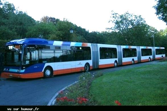 Un bus très spécial . 285811